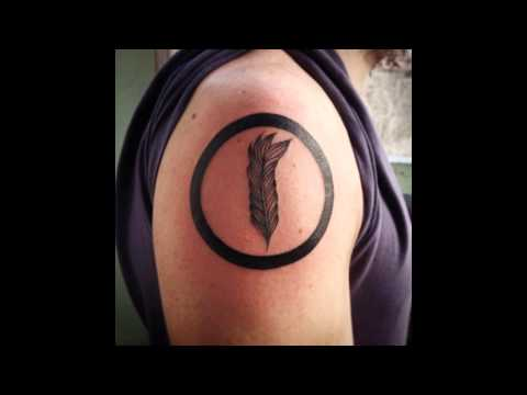 30 Cool Feather Tattoo Designs