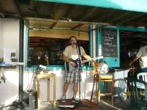 Tom Davis performs Key Largo - a Bertie Higgins song