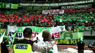 Download Video Koreo Bonek untuk Arif Suyono   Persebaya vs Mitra Kukar stadion GBT Sby MP3 3GP MP4
