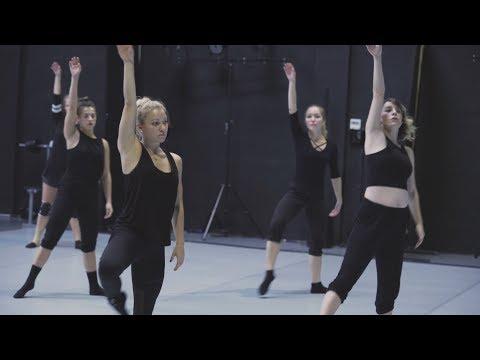 فرقة -سمة-..أجساد تتمايل في العالم العربي لتكسر قواعد الرقص  - نشر قبل 2 ساعة