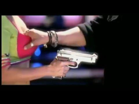 Hot Bollywood kissing scene | कमजोर दिल वाले ना देखें