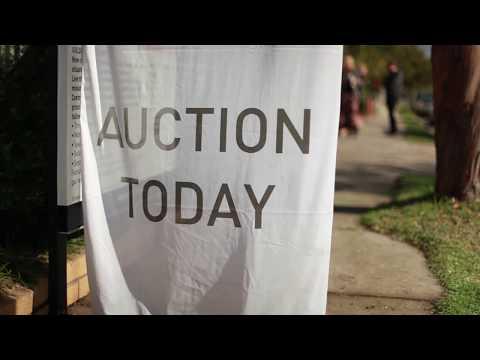 Auction at 25 Tucker Street West Footscray