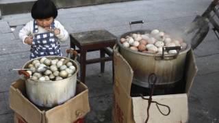 КИТАЙСКИЙ ДЕЛИКАТЕС: яйца, сваренные в МОЧЕ МАЛЬЧИКОВ/Любопытные факты