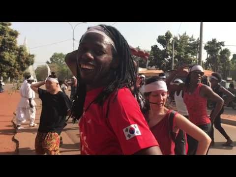 쿨레칸 | Burkina Faso Travel | 2017 In-Out Dance Festival Opening Ceremony Parade