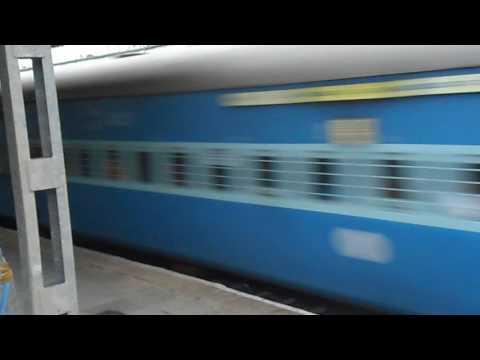 Ajanta Express at full speed at Ramakrishnapuram Railway Station,Secunderabad