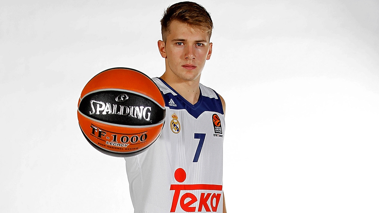 7DAYS Play of the Night  Luka Doncic 255d4d942