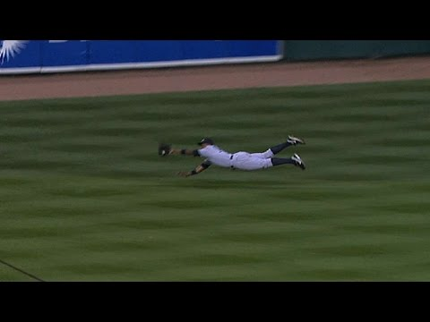 2011 ALDS Gm4: Grandy does it with bat, glove in win