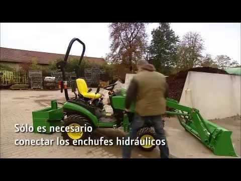 John Deere - Tractor Compactor 1026R, pala cargadora