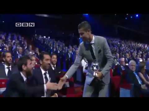 Lionel Messi REACTION after Cristiano Ronaldo wins UEFA Best Player in Europe 2016-17
