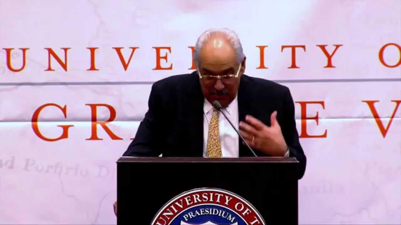 Dr  Fernandez, dean of UTRGV Medical School, addresses Valley