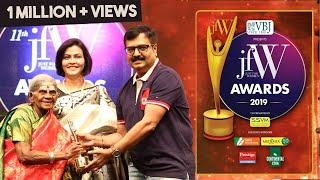 Vivek Gets Emotional -  takes blessings from 107-year-old Saalumarada Thimmakka |  JFW Awards 2019