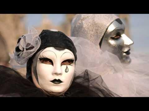 Клип Banco de Gaia - Gray Over Gray