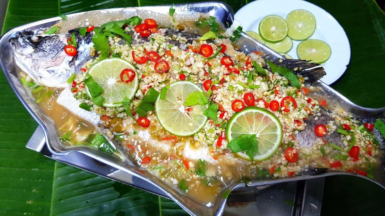 899 ปลากระพงนึ่งมะนาว แซ่บซี๊ด หอมมะนาว Steamed fish with Lime and Chillies