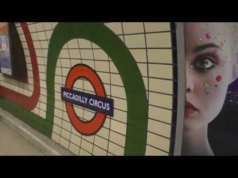 London Undergound  - Tube Trains South Kensington Knightsbridge Piccadilly Circus