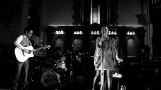 emiliana torrini-nothing brings me down, st. georges church, brighton 14/03/09
