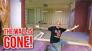 WHAT DID I DO?? DESTROYING THE REPTILE ZOOS WALL!!! | BRIAN BARCZYK