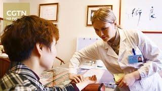 Все больше иностранных студентов приезжают в Китай для изучения секретов китайской медицины