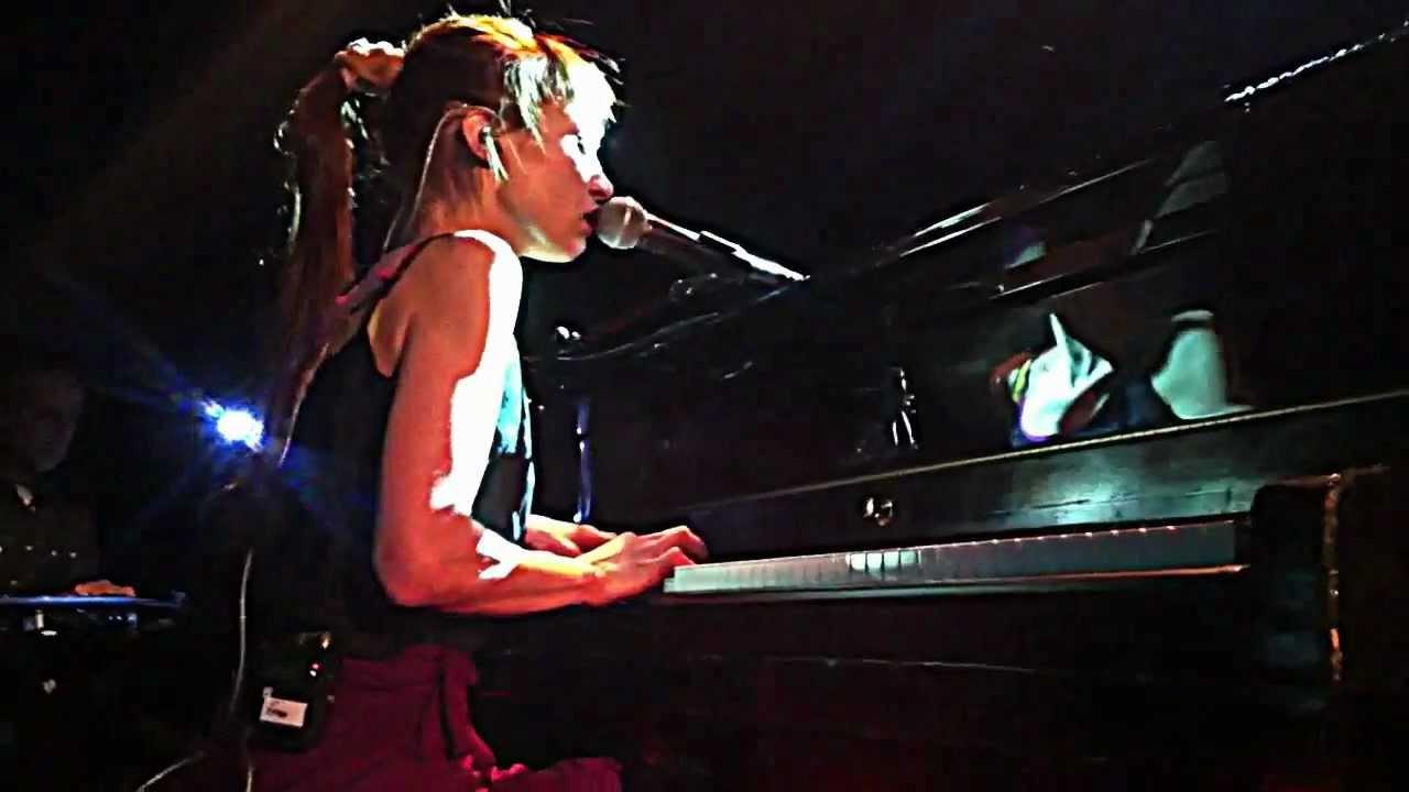 Fiona Apple :: Valentine :: Bowery Ballroom NYC 3.26.12   YouTube