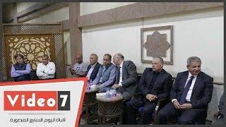 وزير الرياضة وأبو ريدة والهوارى وأيمن يونس فى عزاء والدة مازن مرزوق