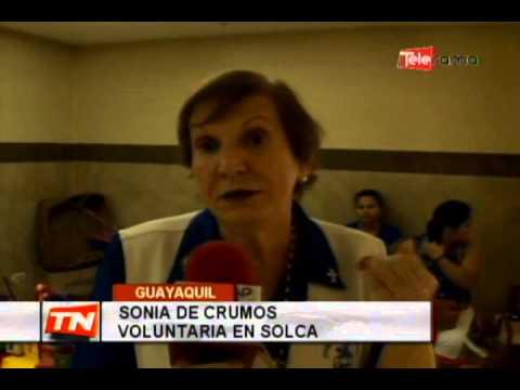 Madres de pacientes de Solca realizan manualidades