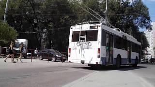 троллейбус ездит по городу. Видео для детей