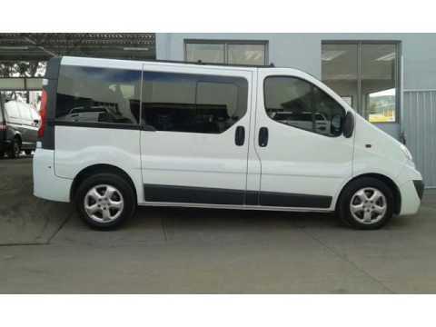 2010 opel vivaro 1 9 cdti bus auto for sale on auto trader. Black Bedroom Furniture Sets. Home Design Ideas
