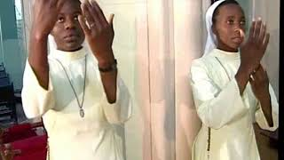 https://youtu.be/oDugm9OFFxY Zimbabwe Catholic Shona Songs - Mwari Huyayi http://bit.ly/zimcatholicsongs SUBSCRIBE to get notified on New Uploads.