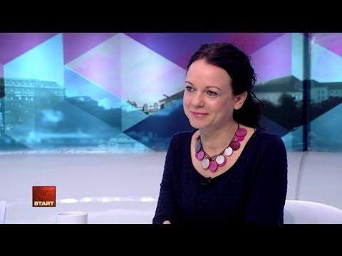 Bábozott Szabó Tímea Áder eskütételén