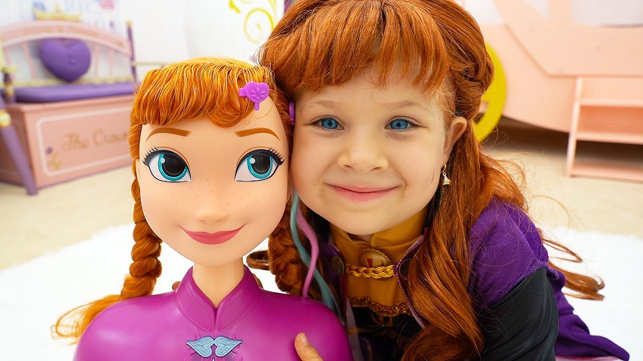Diana as Princess Elsa and Anna