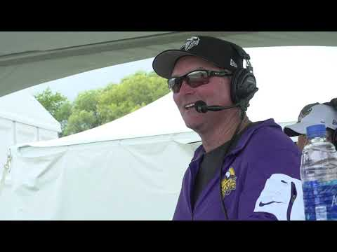VIDEO: Vikings HC Mike Zimmer joins Barreiro at Training Camp