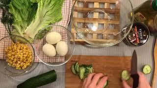 Полезный салат с тунцом и зеленью