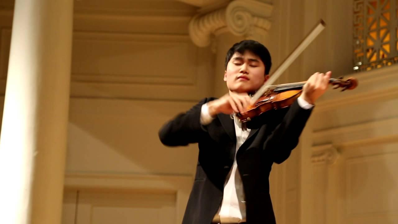 In Mo Yang performs Paganiniana - YouTube