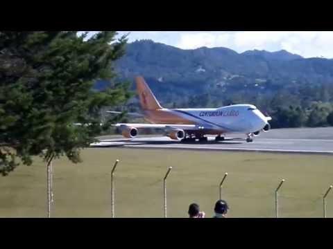 Despegue Boeing 747 Centurion Cargo