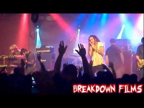Underoath-Writing On The Walls(05/26-Curitiba Music Hall) BreakDown Films