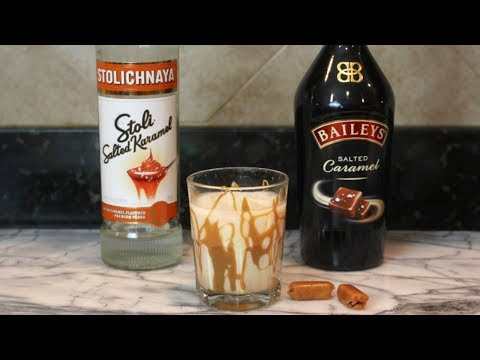 White Russian Drink (Salted Caramel) | Alcoholic Drinks Recipes | Fall Drinks