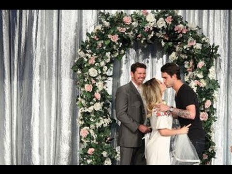 Kaley Cuoco Gets Married on 'Ellen'