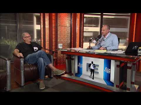 Actor Ed O'Neill Talks Modern Family & Working With Peyton Manning  92617