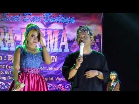 pohang nyanyi jeung artis Pirang