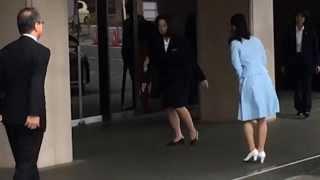 佳子さま下関へ。爽やかな水色のスーツ姿 佳子内親王 検索動画 13