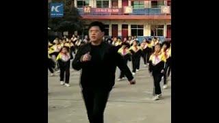 Gambar cover School principal goes viral for teaching pupils shuffle dance