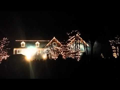 Crazy Christmas Light Show - Wall NJ - YouTube