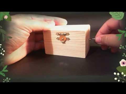 Music box HAPPY BIRTHDAY -  Wooden hand crank music box - happy birthday