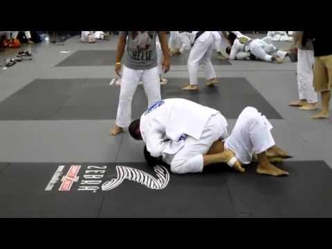 Ryron Gracie's first match Gracie Worlds 2012