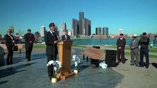 Canadian Ahmadi Muslims unveil Peace Monument