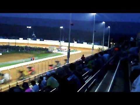 (SMOKE) Tony Stewart Heat Race Port Royal Speedway 4/7/18