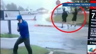 Reportero hace el ridículo al fingir ser arrastrado por el Huracán Florence Video