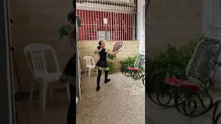 """Cuba bella♥️🇨🇺:Disfruta bailando a lo cubano """"hace calor en La Habana""""."""
