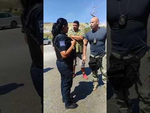 Ivan Riebeling confronta a policias en Tijuana 1era parte