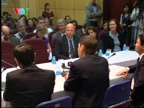 U.S. CDC Director Thomas R. Frieden Talks at Hanoi Medical School