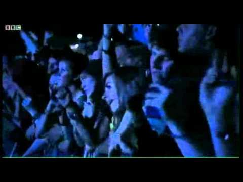 2ManyDJs [2011-08-28] Reading Festival (UK)